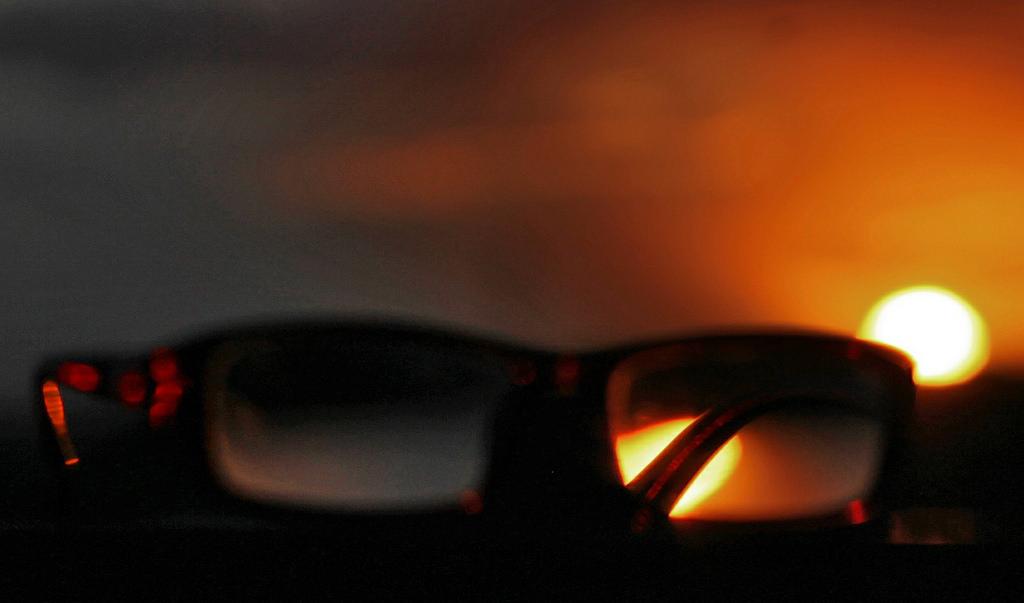 myths about eyeglasses - best eyeglasses - trendy eyeglasses online - buy spectacles online - re lens glasses online - buy eyeglasses online india - best eyeglasses buy online - german glasses buy online - uv protection eyeglasses - best uv protection lenses - eclipse with uv glasses