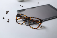 a868a4c2d46 7 Ensembles to Perfectly Style your Tortoiseshell Glasses