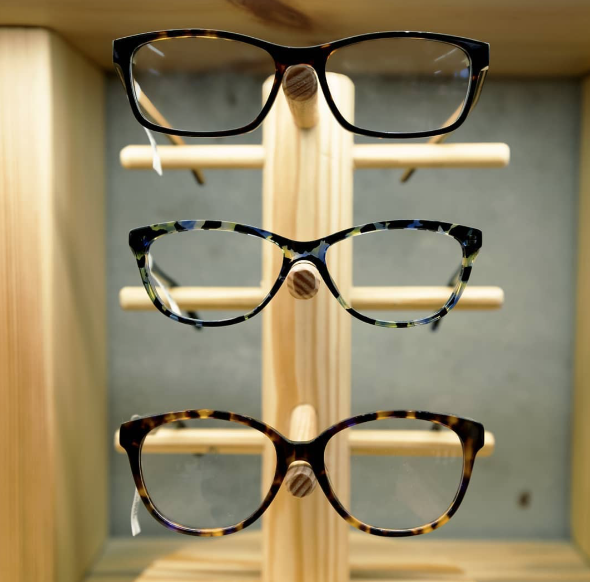 5c65bf3d70d4 Tortoiseshell frames make a comeback every year as they are one of the best  neutral accessories one can wear during the summer or even spring!