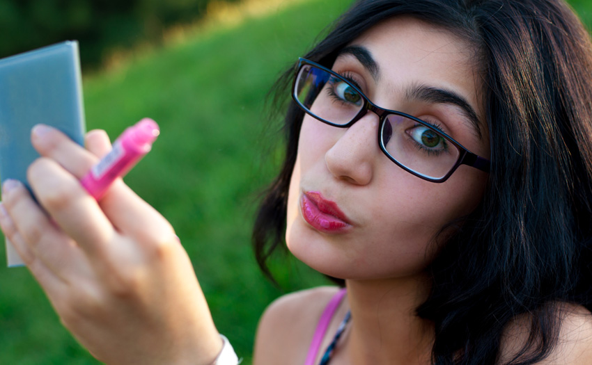 Fushia Bold Lips with Eyeglasses!